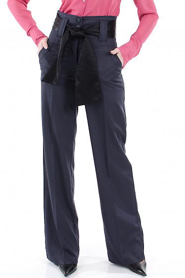 Фото Брюки синие с высокой талией Деловая женская одежда