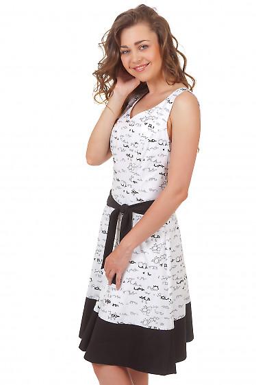 Платье белое в иероглифы Деловая женская одежда