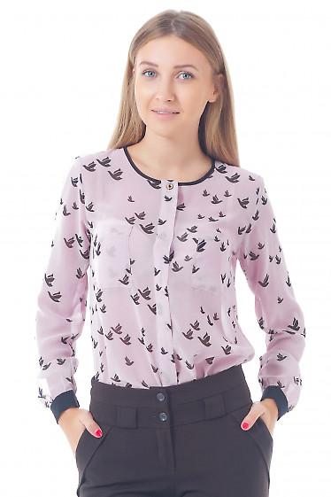 Купить блузку розовую в птички без воротника Деловая женская одежда