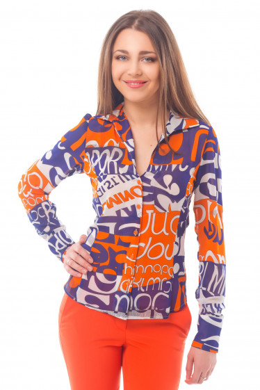 Блузка в оранжево-синие буквы Деловая женская одежда