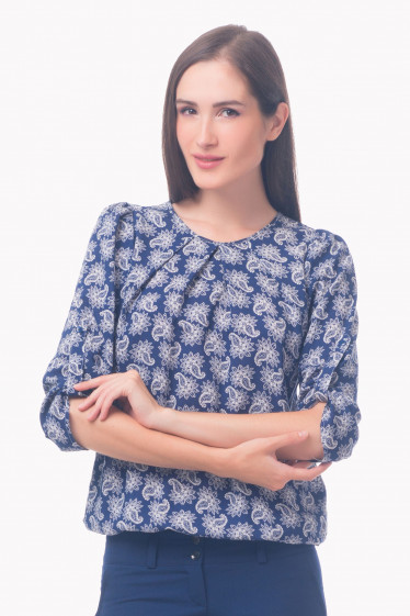 Фото Блузка синяя в белые огурцы Деловая женская одежда