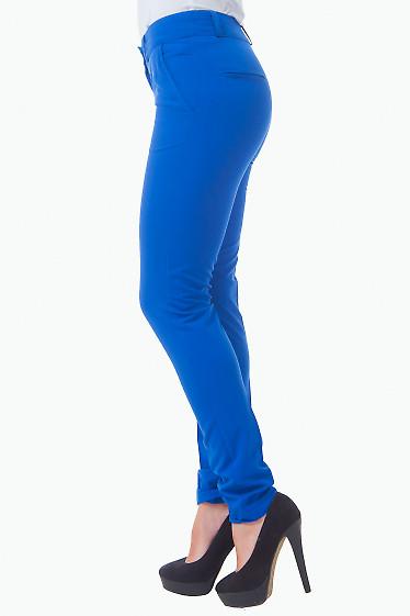 Зауженные брюки цвета электрик фото