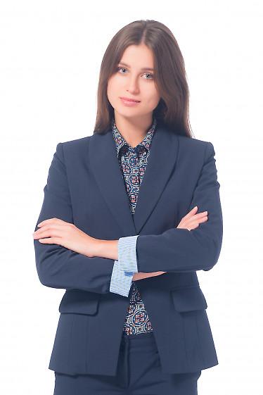 Жакет удлиненный синий с полосатой манжетой Деловая женская одежда