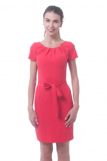 Платье коралловое с защипали на горловине Деловая женская одежда