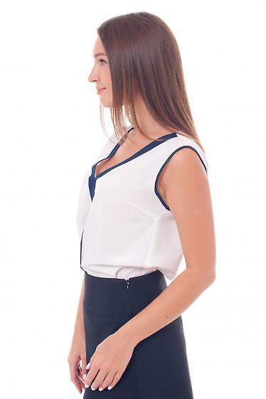 Белая шифоновая блузка с синей вставкой