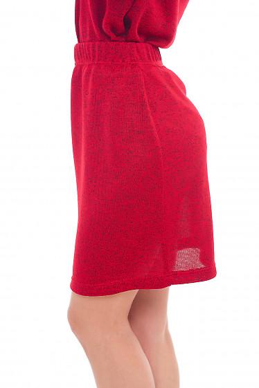 Красная трикотажная юбка прямого кроя