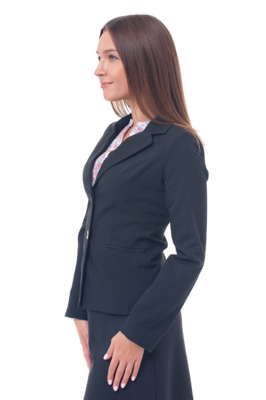 Черный жакет из костюмной ткани
