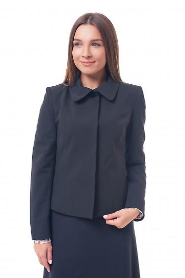 Жакет черный с круглым воротником и закрытой планкой Деловая женская одежда