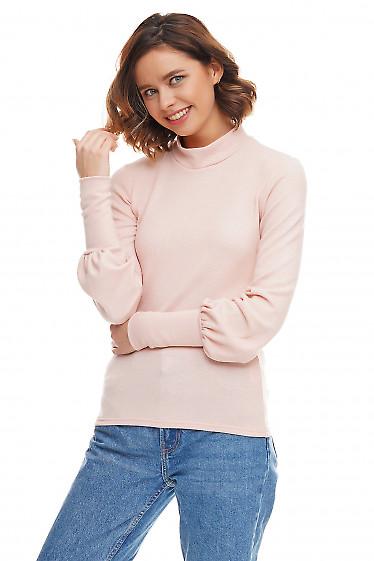 Теплый женский гольф розового цвета