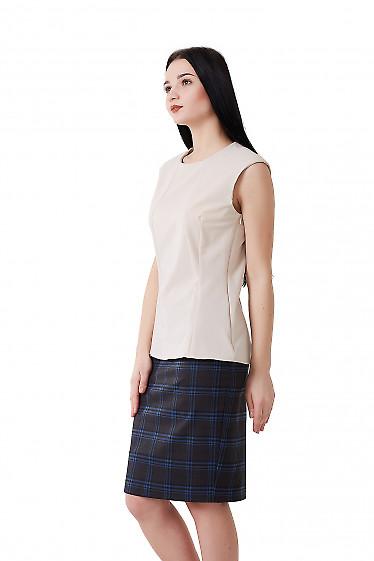Купить блузку бежевую со спущенным плечом. Деловая женская одежда фото