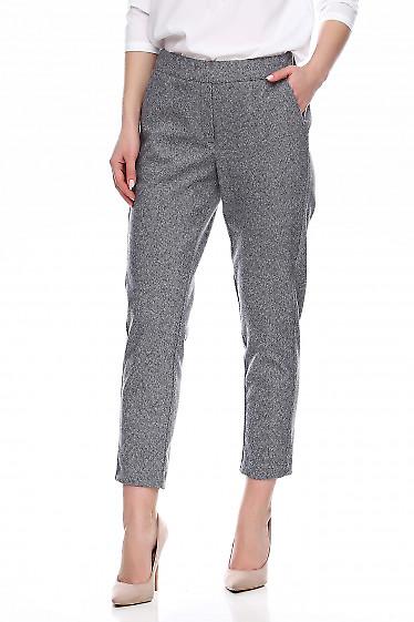 Теплые приталенные серые брюки