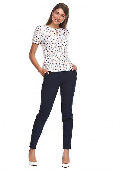 Купить брюки с синим жакетом. Деловая женская одежда фото