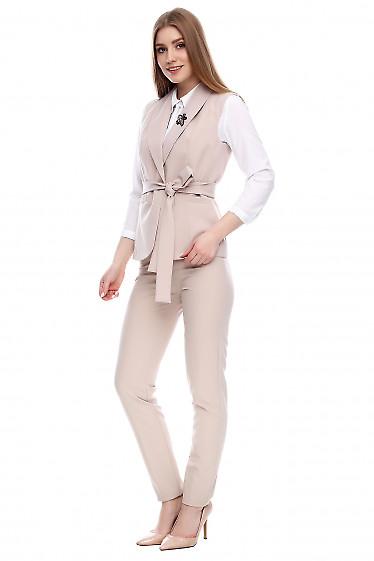 Брюки высокие бежевого цвета Деловая женская одежда фото