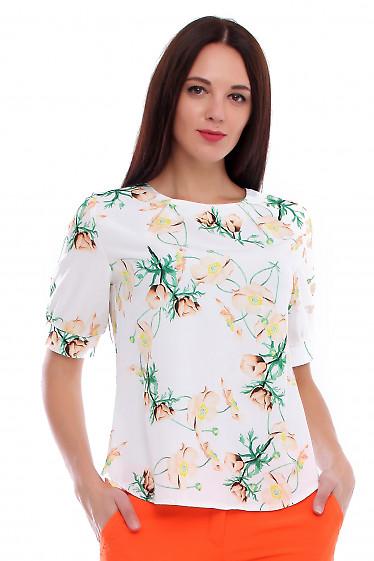Молочная блузка в бежевый цветок. Деловая женская одежда фото