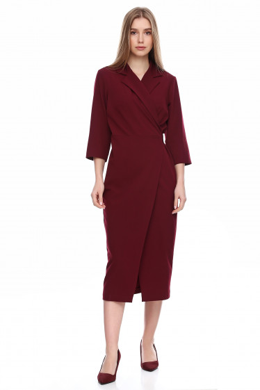 Платье бордовое приталенное на запах. Деловая женская одежда фото