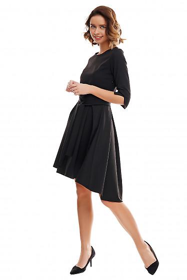 Платье чёрное с несимметричной юбкой. Деловая женская одежда фото