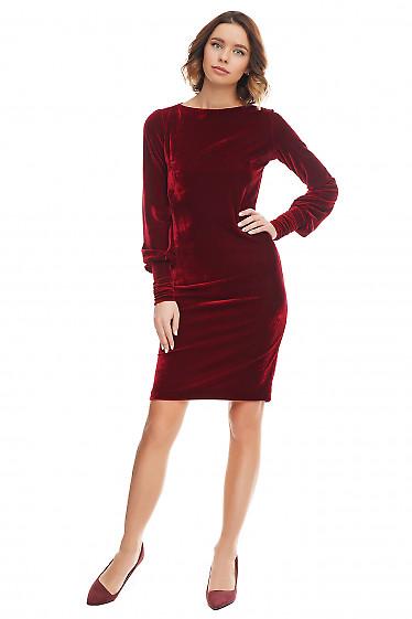Платье из вишневого бархата. Деловая женская одежда фото