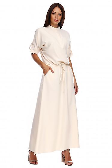 Платье молочное в пол со стойкой. Деловая женская одежда фото