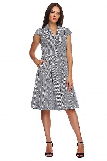 Платье в полоску с отложным воротом. Деловая женская одежда фото