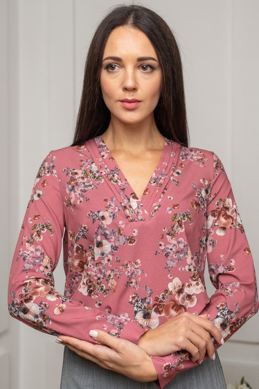 Блузка фрезовая в цветы. Деловая женская одежда