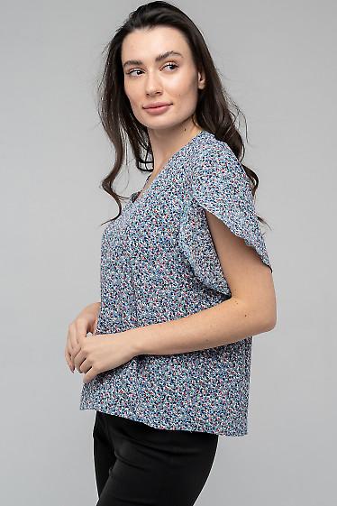 Блузка с цветами с разрезом на рукавах