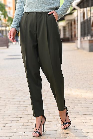 Женские брюки зеленого цвета фото