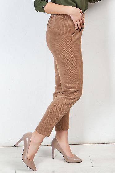 Бежевые брюки из вельвета