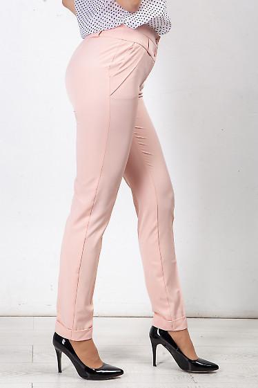 Купить брюки розовые с клапанми на карманах. Деловая женская одежда фото