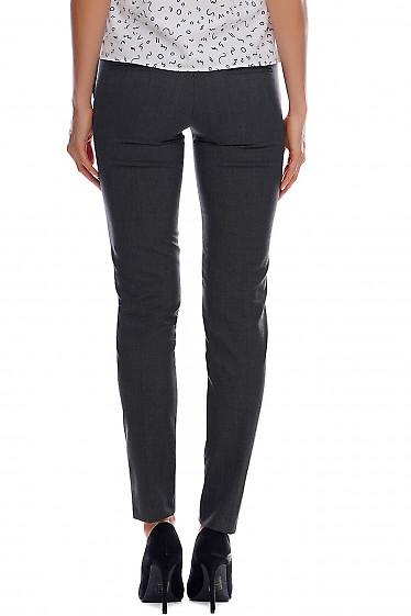 Женские серые брюки в полоску фото