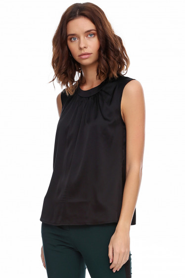 Чёрный шелковый топ. Деловая женская одежда