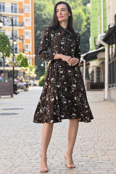 Женское платье коричневое