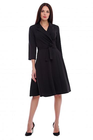 Платье черное на запах с поясом. Деловая женская одежда фото