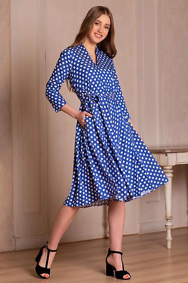 Платье голубое в горох с рукавом. Деловая женская одежда фото