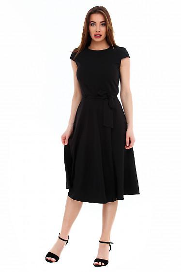 Черное платье из костюмной ткани