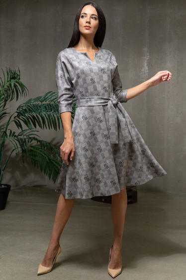 Платье в серую клетку пышное