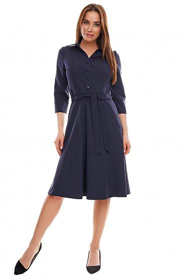 Платье синее с длинным рукавом и пуговицами впереди. Деловая женская одежда фото