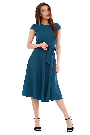 Платье зеленое пышное с поясом. Деловая женская одежда