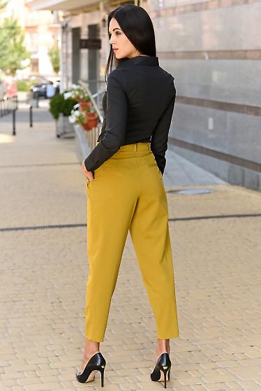 Горчичные брюки из костюмной ткани
