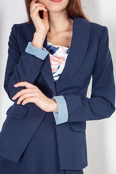 Купить жакет синий с шалевым воротником. Деловая женская одежда фото