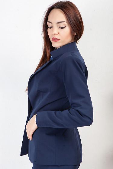 Купить жакет синий удлиненный со стойкой. Деловая женская одежда фото