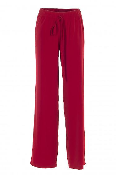 Красные брюки на резинке. Деловая женская одежда фото