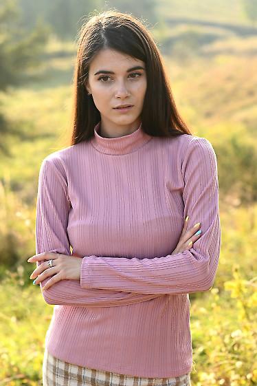 Трикотажный женский гольф розового цвета. Деловая женская одежда фото