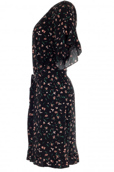 Черное летнее платье в цветы с коротким рукавом
