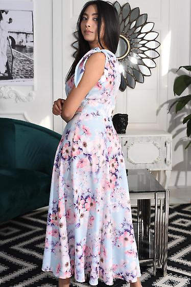 Сиреневое платье в розовые цветы